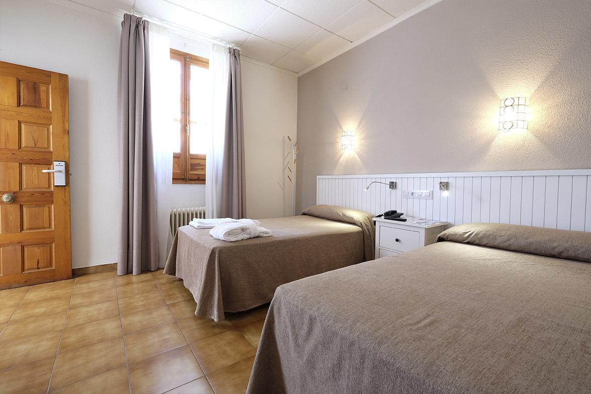 reforma de contract hotel balneario sanahuja elo construcciones