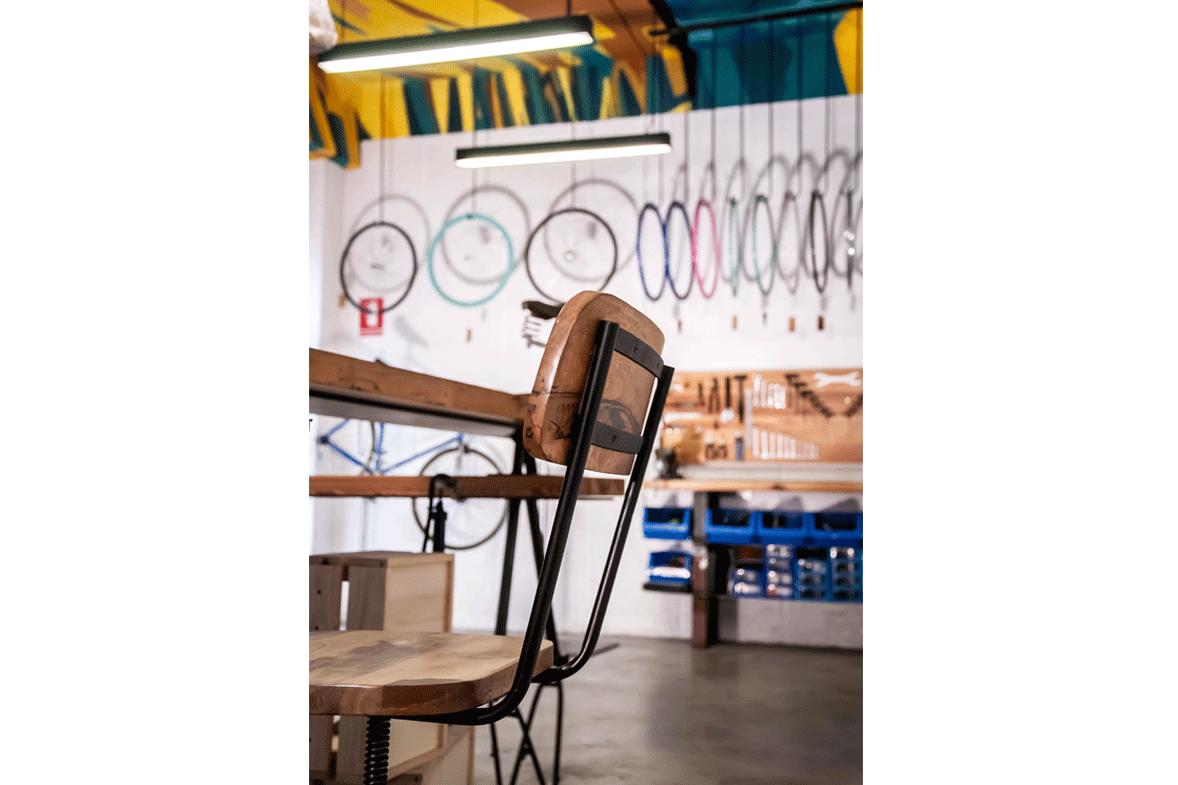 reforma de la tienda de bicicletas vuelta de tuerca detalle personalizado