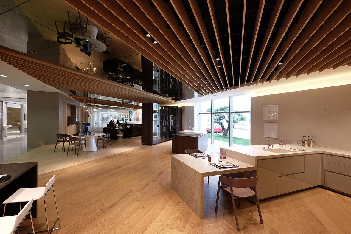 showroom porcelanosa albuixech por Jorge Belloc y ELO Construcciones