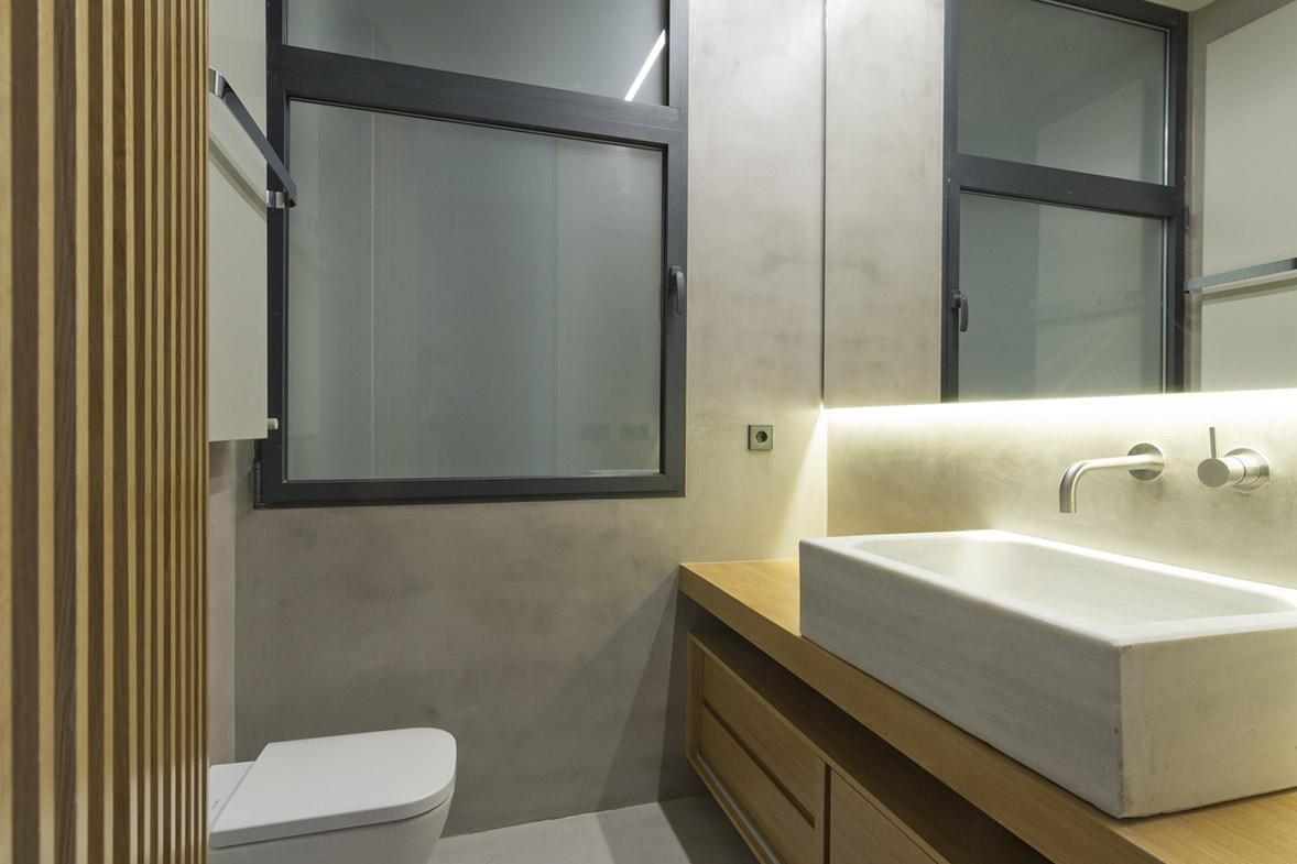 proyecto reforma arquitectura apartamento combina moderno y mosaico tradicional